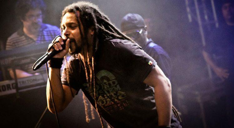 Marcelo Falcão faz show em Manaus