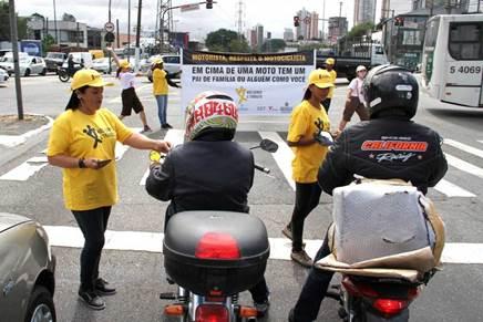 ABRACICLO REALIZA  BLITZE EDUCATIVAS EM PONTOS CRÍTICOS DA CIDADE DE SÃO PAULO